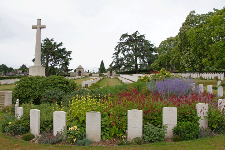Longuenesse Cemetery St Omer