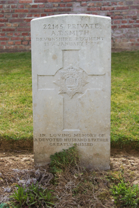 Thomas Alfred Smith headstone at Bethune Communal Cemetery