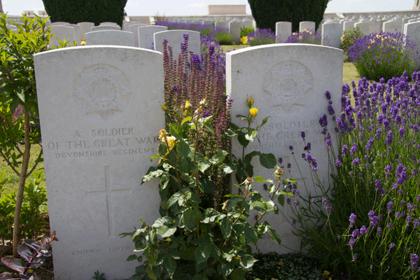 Unidentified soldiers of the Devonshire Regiment buried in Dud Corner Cemetery, Loos